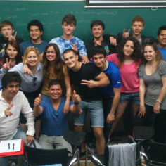 Academia UNED Anual 2013-14